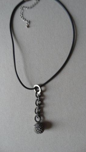 Naszyjnik czarny-srebrny