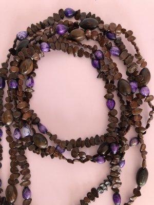 Collar de conchas marrón oscuro-violeta amarronado tejido mezclado