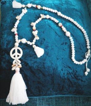 Kette weiß Peace blogger hipster boho hippie Bommel Quasten