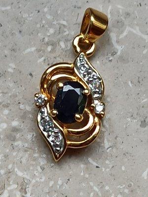 Colgante negro-color oro