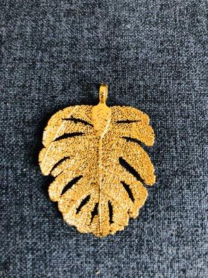 Kettenanhänger: goldenes Blatt