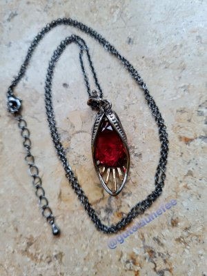 Kettenanhänger mit einem großen burgunderroten Zirkonia Stein im Vintage Look (inkl Kette) nickelfrei bleifrei