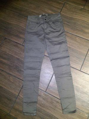 khaki farbende Jeans