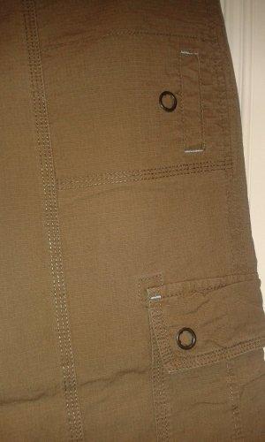 khaki grüne Outdoor Hose von Eddie Bauer Größe 38 fester Stoff