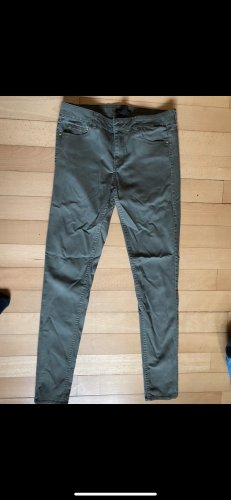 H&M Pantalón de color caqui caqui