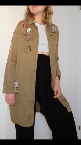 Khaki Parka mit coolen Patches