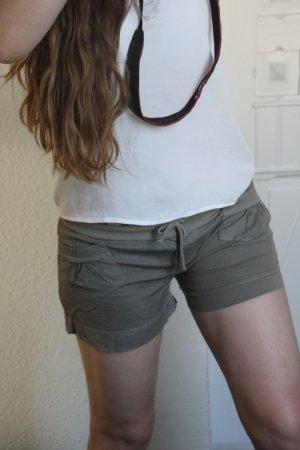 Khaki Short Strand Hot Pant aus Spanien Gr. S