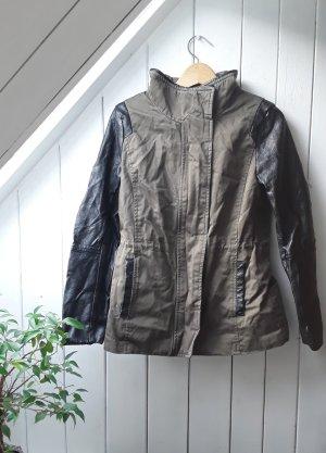 Khakifarbene Jacke von H&M