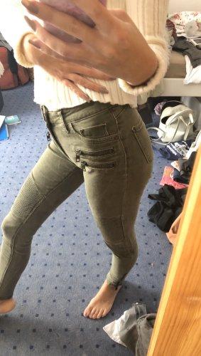 Khakifarbene Jeans/Jeggins in 32