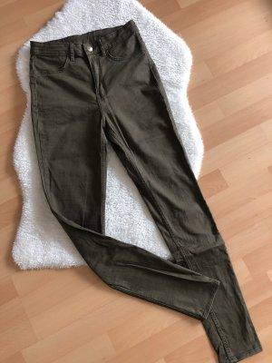 Khakifarbene Jeans von H&M