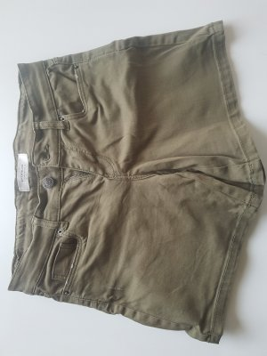 Khakifarbene kurze Hose von Promod