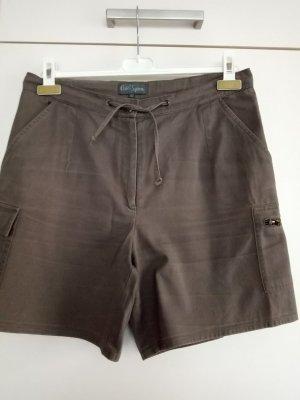 Khakifarbene kurze Hose von Pure Line Gr L