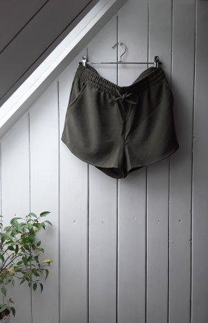 Khakifarbene Shorts von Only