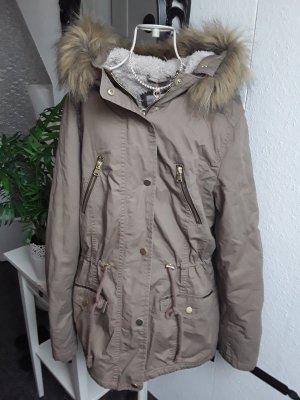 Khakifarbene Winterjacke von Tally Weijl