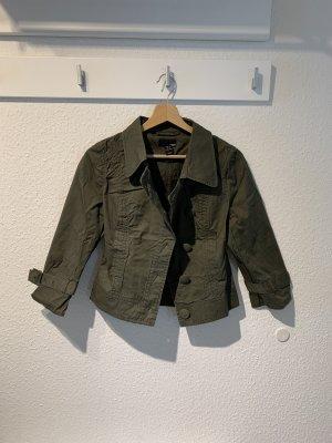 Khakifarbenen Jacke von H&M | Größe: 36
