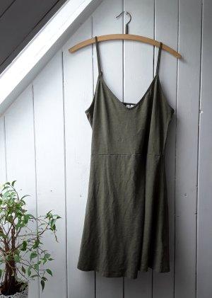 Khakifarbenes Kleid von H&M