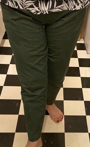 Khaku/olivgrüne Hose für den Sommer Gr. 42