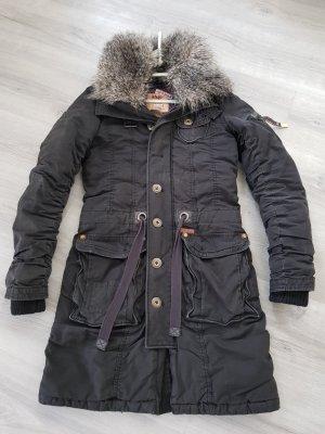 Khujo Winterjacke Gr.S schwarz mit abnehmbaren Fellkragen