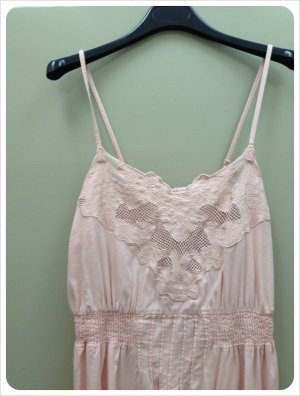 KIMCHI & BLUE über URBAN OUTFITTERS Kleid Trägerkleid rosa Gr. S