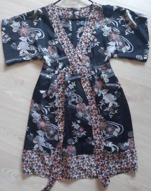 Kimonokleid mit Muster