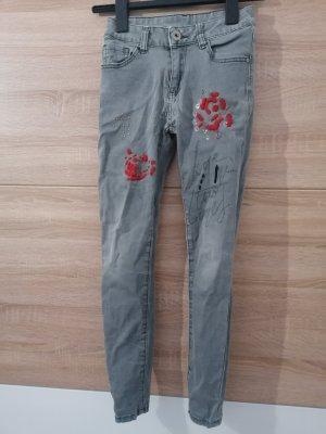 Jeans a sigaretta grigio