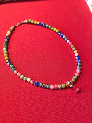 Kinderkette aus Perlen nach Muranoart, mit Blütenanhänger