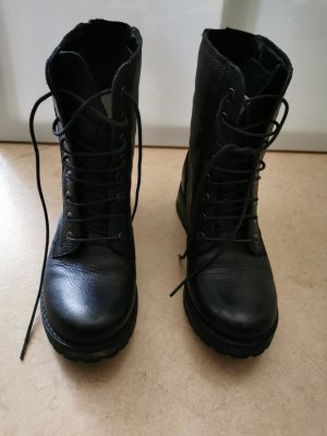 Kiomi Lace-up Boots black
