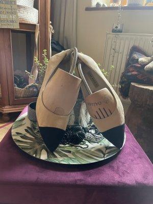 Zara Basic Bailarinas con punta crema-negro