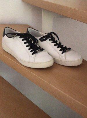 Klassiche Sneaker