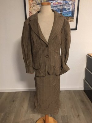 Klassiches Kostüm von BiBA in Größe 42 aus New Wool
