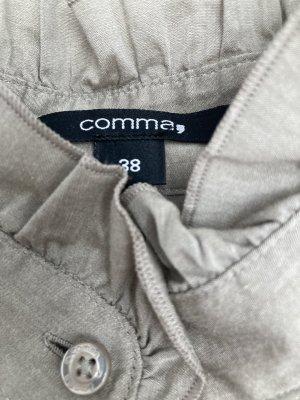 Klassische Bluse mit stylischen Details