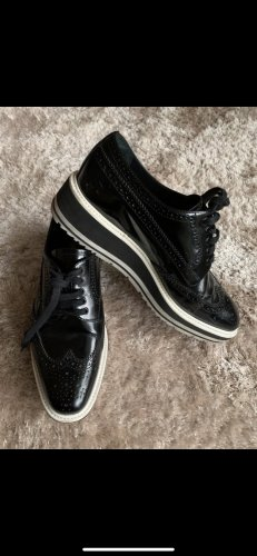 Prada Wingtip Shoes black leather