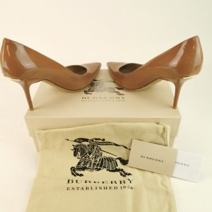 Burberry Prorsum Pointed Toe Pumps nude
