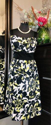 Klassische Ditzy Kleid