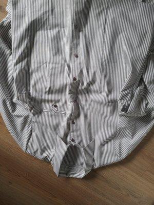 Klassische gestreifte Bluse weiß/grau