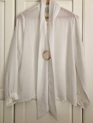 Klassische leichte Bluse