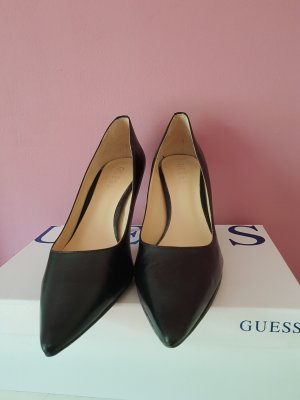 Guess Pointed Toe Pumps black