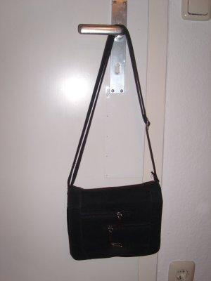 klassische schwarze Tasche