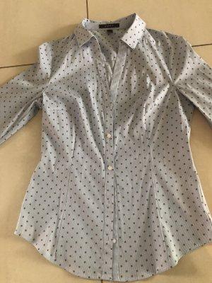 Klassische taillierte Bluse