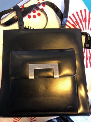 Klassische Tasche mit interessanten Details