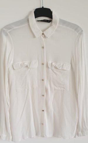 Klassische weiße Bluse mit Struktur und goldenen Zierknöpfen, Zara, Gr. S