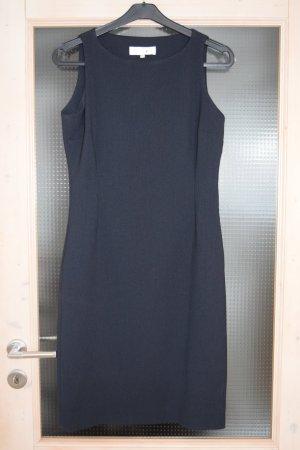Klassisches Etui-Kleid mit passendem Long-Blazer in Dunkelblau