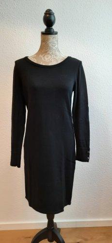 Klassisches Kleid von Esprit.