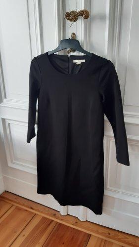 """Klassisches Kleid von Esprit """"das kleine Schwarze"""""""