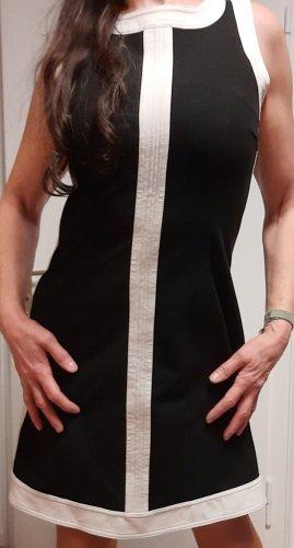 Klassisches Kleid von schwarzweiß Cinque