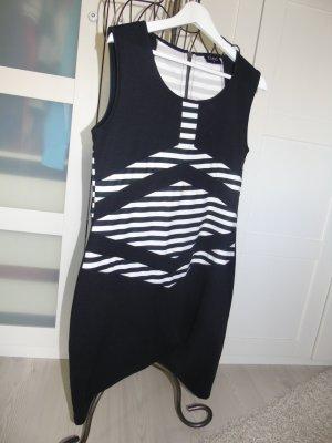 klassisches schwarzes Kleid mit weißen Streifen von GINA