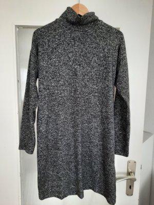 Uniqlo Longsleeve Dress white-black