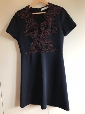 Sandro Vestido de manga corta azul oscuro-burdeos