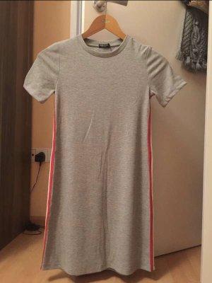 Bershka Robe à capuche gris clair-rouge