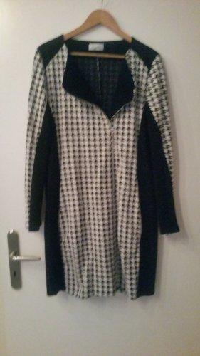 Sukienka dresowa biały-czarny